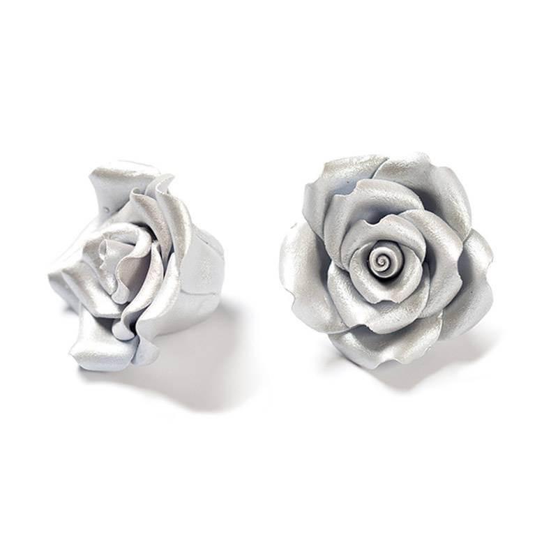 6 SILVER-coloured Roses in sugar Diam. 5 cm