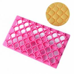 Quilted effect and hearts tool for sugar paste