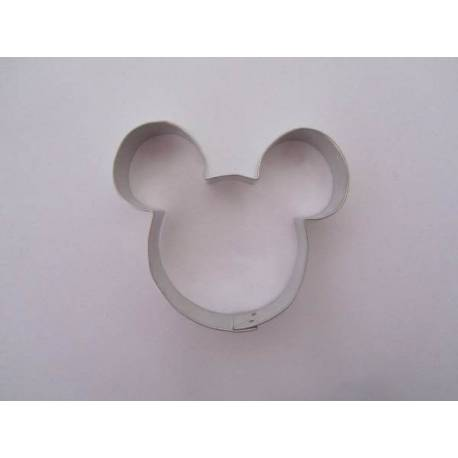 Mickey Mouse cutting