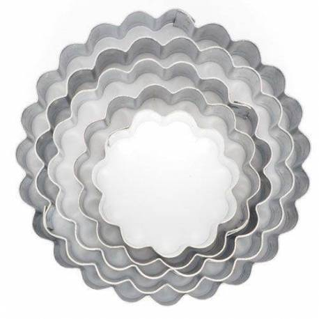 Set of 5 Metallic Round canneled cutters