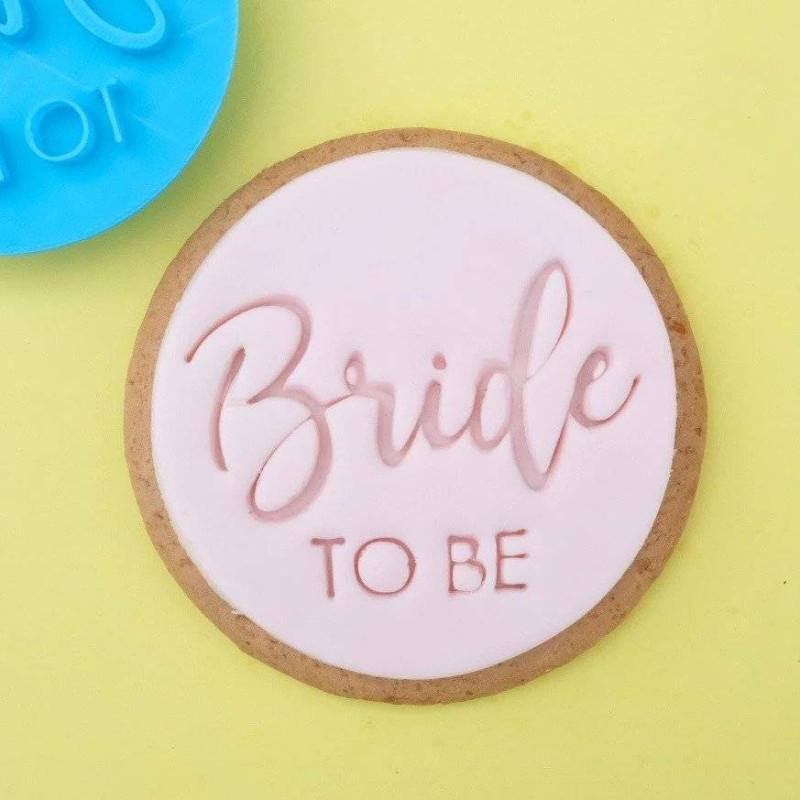Embosseur cookie Bride to be Sweet Stamp