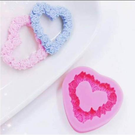 Heart-shaped silicone mould with flower crown