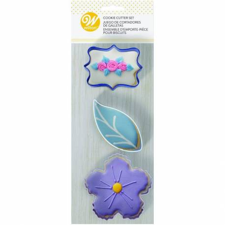Set of 3 floral cutters Wilton