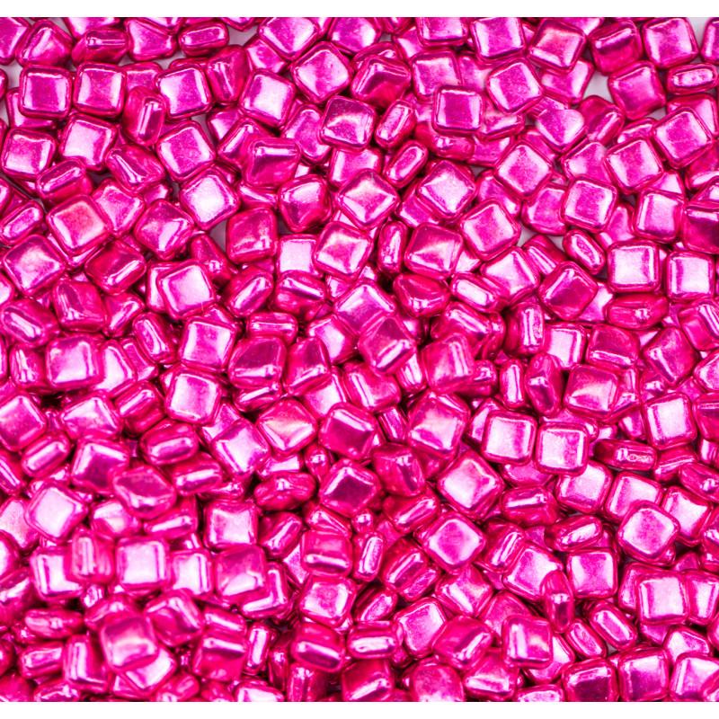 Petits carrés en sucre rose fuchsia de Sweetapolita 100 g