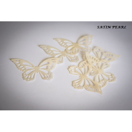 Butterflies in wafer paper white pearl x22