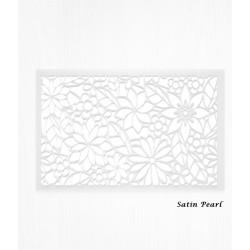 Feuilles de décorations blanches en Wafer paper motif floral x2