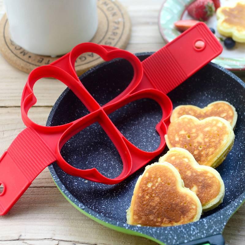 Heart-shaped pancake baking tool