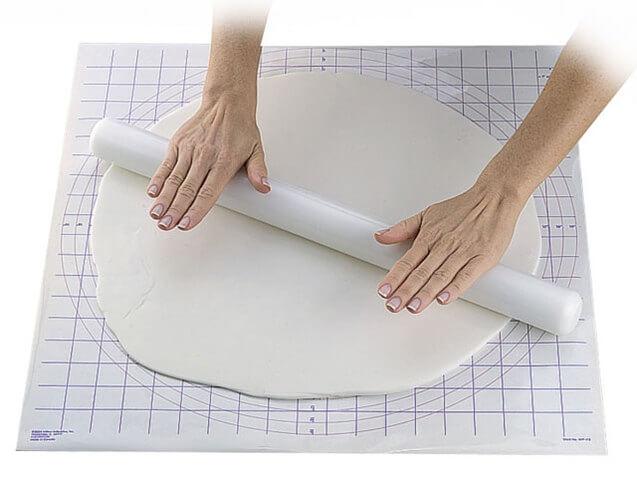 Wilton baking roll 50 cm - sugar dough - PLANETE GATEAU